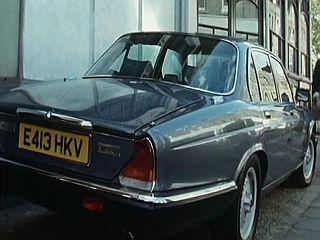 Series 8: Daimler Double Six - E413 HKV