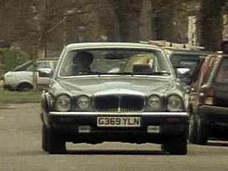 Series 9: Daimler Double Six - G369 YLN