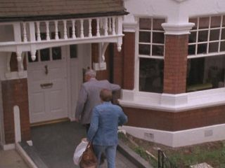 Dave's House in #7.0 'An Officer & A Car Salesman'
