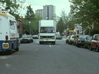 Arthur's Roadside Car Sales in 'It's A Sorry Lorry, Morrie'