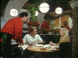 Ray and Donna go for a meal in 'A Bird In The Hand Is Worth Two In Shepherds Bush'