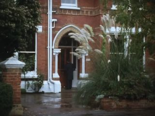 Bernie visits Sidney's house in 'All Things Brighton Beautiful'
