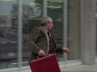 Scotch Harry steals the bag in 'The Smaller They Are'