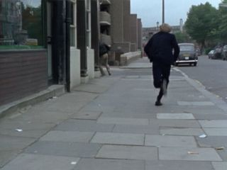 Terry chases the muggers in 'Diamonds Are A Girl's Worst Enemy'