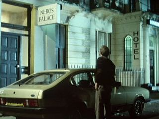 Terry looks for Frank at Neros Palace Hotel in 'In'